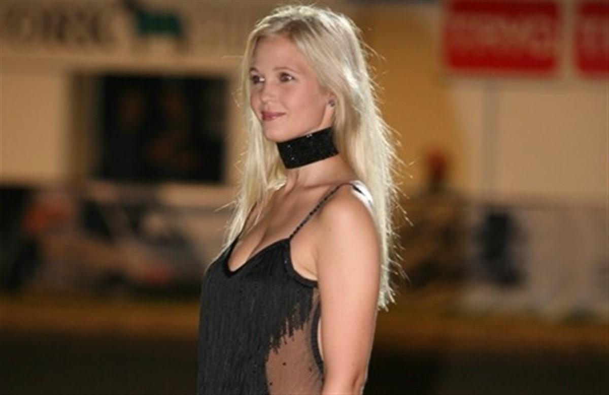 Tina Lund mest sexede kvinde i 2009 - Ridehesten.com