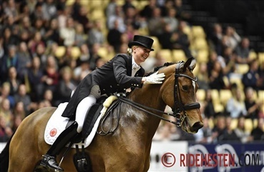 Jessica von Bredow-Werndl i World Cup-sejr (video)